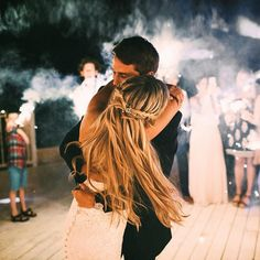 Take a look at the best funny wedding photography in the photos below and get ideas for your wedding! Best man and maid of honor with bride and groom. Wedding Goals, Wedding Pictures, Our Wedding, Dream Wedding, Wedding Reception, Budget Wedding, Summer Wedding, Rever Mariage, Photo Couple