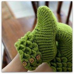 Cute booties (crochet)
