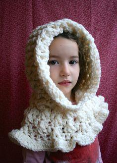 Crochet pattern, ruffle hooded cowl crochet pattern, hooded scarf crochet pattern #crochetpattern #crochethoodedpattern #hoodedcowl