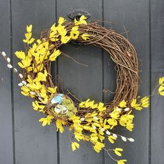 Hometalk :: Turning Dollar Store Finds Into a Spring Wreath