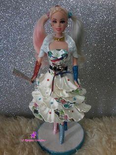 LINDA BONECA ARLEQUINA    também feitas por encomendas princesas disney, monstershigh, noivas, 15 anos, etc.