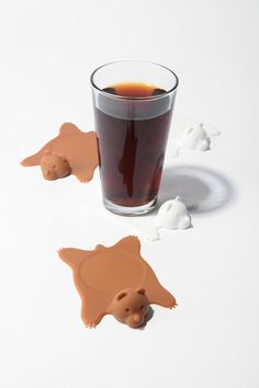 awww, bear rug coasters!!!! Fake dead bears are way better than real dead bears.
