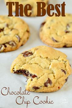 The New York Times Chocolate Chip Cookie recipe (via Cheryl of Tidymom). These really are the best chocolate chip cookies I've ever made. Just Desserts, Delicious Desserts, Dessert Healthy, Cookies Receta, Cookie Recipes, Dessert Recipes, Best Chocolate Chip Cookies Recipe, Chocolate Chips, Chocolate Cake