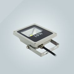 IP 65 led flood light made in china with 3 years warranty.