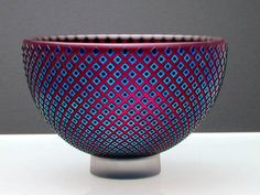 Robert Wynne is an Australian artist who produces beautiful glass pieces. He has bowls, vases, plates, pockets, pebbles and sculptures made of glass. The colour combination is striking, the shapes …