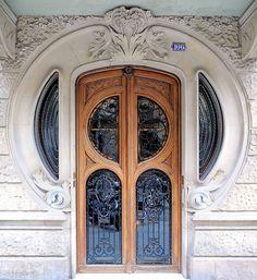 Barcelona - Enric Granados 106 ah: Casa Sala. Architect: Domènec Boada i Piera