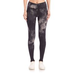 Alo Yoga Airbrush-Print Leggings ($88) ❤ liked on Polyvore featuring pants, leggings, apparel & accessories, black smoke print, patterned trousers, print trousers, black pants, alo yoga and patterned leggings