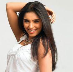 Beautiful Bollywood Actress, Most Beautiful Indian Actress, Indian Actress Photos, Indian Actresses, Romantic Photos, Cute Beauty, Indian Beauty Saree, Long Hair Styles, Couples