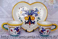 Tazzine da caffe' con la decorazione #RiccoDeruta #Majolica #Italy http://ceramicamia.blogspot.com/p/tazze-tazzine.html