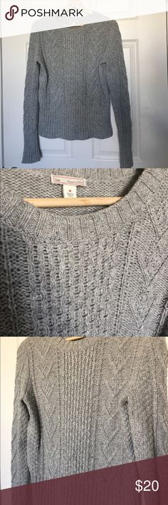 Gap Sweater Ladies Heather Gray Heather gray sweater with great texture. Size medium. Worn once and dry cleaned. Great for layering. True to size. GAP Sweaters Crew & Scoop Necks