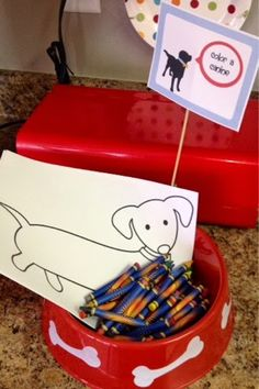 Dog party/ puppy party: Color a canine