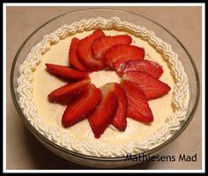 Frozen Yoghurt, Panna Cotta, Deserts, Strawberry, Fruit, Breakfast, Ethnic Recipes, Food, Inspiration