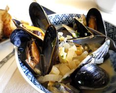 Now this also works with clams as well, but my favorite is mussels. This is so easy and quick to make.  It is a wonderful starter dish or even a main course.  Just make sure to have some crusty bread to go with it.  My favorite is slice your baguette in half and drizzle with olive oil and toast.  Rub it with fresh garlic and a slice of tomato for a wonderful fresh flavor. Just a Note:  I didnt count the olive oil to saute the vegetables in or the salt and pepper in the six ingredients.  It…