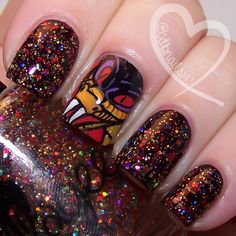 See How s-s-Snakelike I Can Be by ellagee.com with nail art by cdbnails.