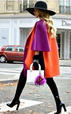 Comment créer un look avec des couleurs dites complémentaires adjacentes? Manteau orange, écharpe fuchsia. D'autres looks ici: https://one-mum-show.fr/comment-assortir-les-couleurs/