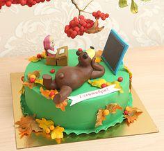 """Детский торт """"Маша и медведь в школе#  Герои забавного мультфильма #машаимедведь стали любимцами всех - и детей, и взрослых. Их сегодня можно встретить везде. Украсьте и вы праздник вашего ребёнка тортом с фигурками любимых героев, которые на этот раз отправляются в школу☺️  Красочный торт с любимыми героями можно заказать от 2-х кг всего за 2150₽/кг. #фигуркиизмастики Маши и медведя всего 1400₽  Специалисты #Абелло готовы помочь с выбором красивого и качественного десерта по любому поводу…"""