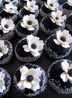 http://www.flickr.com/people/httpsavethedateforcupcakesblogspotcom/