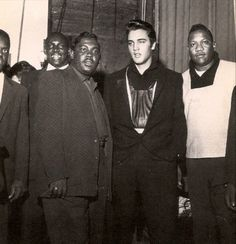 Junior Parker (L) Elvis, and Bobby Blue Bland in Junior Parker wrote and recorded Mystery Train in Sun Studios in 1953 (with Matt 'Guitar' Murphy in the band). It was covered by Elvis in also on Sun Records. Both recorded by Sam Phillips. Elvis Presley, Bb King, Ella Fitzgerald, Mississippi, Bobby, Rock And Roll, Rare Elvis Photos, Billy Holiday, Tennessee