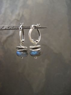 Hey, I found this really awesome Etsy listing at https://www.etsy.com/dk-en/listing/215054373/labradorite-earrings-labradorite-dangle