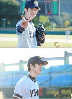 Sung Dong Il, Yoo Yeon Seok, Romantic Doctor, Kim Sang, I Go Crazy, Jung Woo, Japanese Men, Flower Boys, Celebs