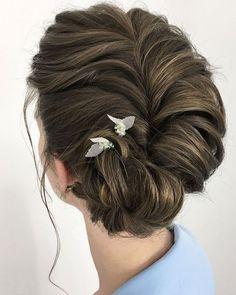 beautiful wedding hairstyles   Bridal updo hairstyle ideas   messy updo   fabmood.com #weddinghair #harido #besthairstyle #hairstyle #hairstyleideas #weddingupdo #upstyle #bridalupdo #weddinghairstyles #updoideas #bohohairstyle #updowedding #updos
