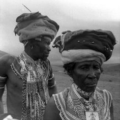 Africa   Qwathi (Xhosa) clan members.  Qebe, South Africa.  ca. 1960   ©Joan Broster/Barbara Tyrrell African History, Women In History, Xhosa, Gordon Parks, African Trade Beads, Out Of Africa, Majestic Animals, Church Hats, Divine Feminine