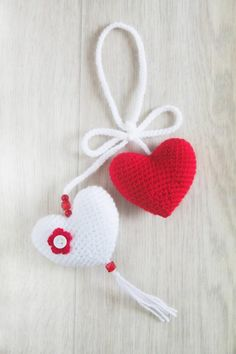 Two crocheted Hearts Mini crochet heart Keychain bag charm Crochet Gifts, Cute Crochet, Crochet For Kids, Crochet Doilies, Crochet Toys, Crochet Baby, Crochet Hearts, Crochet Ideas, Crochet Shrug Pattern
