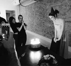 Emma Stone and friends celebrating her 28th birthday. (November 6, 2016)
