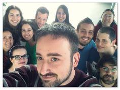 Jefes, ingenieros, administrativos, técnicos y comunicadores de Madrid en un selfie