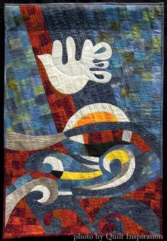 Waves of Peace by Eti David (Israel). Photo by Quilt Inspiration. 2015 World Quilt Show (Florida).