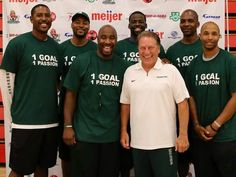 Tom Izzo with several of his former players.