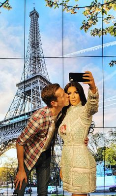 The world's 1st selfie taking wax figure made in the image of Kim Kardashian with £150k picture-taking waxwork at Madame Tussauds - http://www.nollywoodfreaks.com/the-worlds-1st-selfie-taking-wax-figure-made-in-the-image-of-kim-kardashian-with-150k-picture-taking-waxwork-at-madame-tussauds/