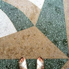 Terrazzo patterns – i have this thing with floors Granite Flooring, Terrazzo Flooring, Deck Design, Floor Design, A Frame House, Floor Patterns, Wall Tiles, Tile Floor, Concrete