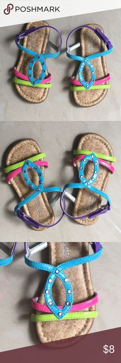 NWOT Girl sandals Very cute sandals with different colors for your toddler girl. Brand new, never worn 🎀 Shoes Sandals & Flip Flops