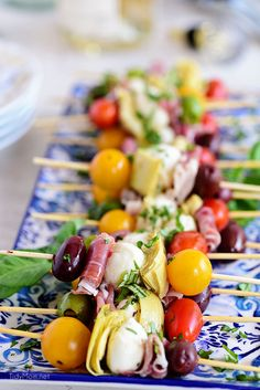 party appetizers Wow your guests with bright and flavorful antipasto skewers. An appetizer with a new delicious discovery in every bite. Its like 5 appetizers in Antipasto Skewers, Skewer Appetizers, Appetizers For A Crowd, Thanksgiving Appetizers, Appetizer Recipes, Italian Food Appetizers, Easy Summer Appetizers, Fruit Kabobs, Easy Party Food