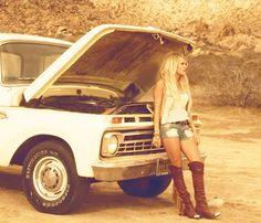 "Carrie Underwood Sizzles in Daisy Dukes in ""Smoke Break"" Music Video - Us Weekly"