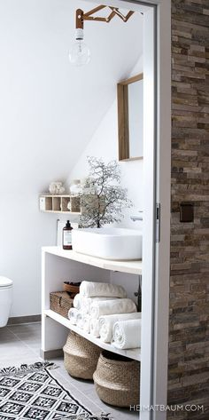 Scandinavian-neutral-bathroom.jpg (JPEG-bilde, 564 × 1131 piksler)