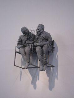 Juan Muñoz  Dos sentados en la pared - Juan Muñoz was a Spanish sculptor, working primarily in paper maché, resin and bronze. --  http://juanmunozestate.com/