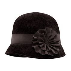 love this hat!! 1920s fashion