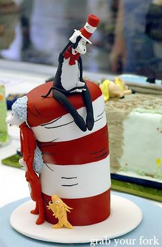 Cat In The Hat Cake Dr. #Seuss I am loving these cakes!