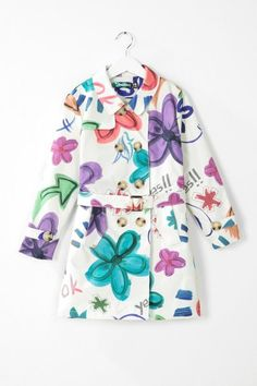 Desigual Girls' raincoat. Our collection wants to play, fancy joining in?