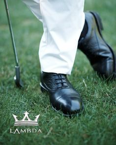 Lamba's classic look golf shoes, functional and reliable 👞