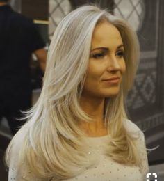 New Hair Cuts Popular Haircuts Trending Hairstyles Ideas Medium Length Blonde, Medium Long Hair, Medium Hair Cuts, Long Hair Cuts, Straight Hair, Hair Layers Medium, Medium Length Layers, Haircut Trends 2017, Hair Trends