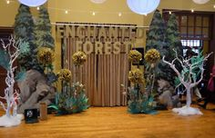 Enchanted forest decorations for wedding ideas 65 - Wald Enchanted Forest Prom, Enchanted Forest Decorations, Enchanted Book, Enchanted Evening, Enchanted Garden, Homecoming Decorations, Dance Decorations, Dance Themes, Prom Themes