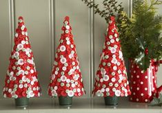 TABLETOP CHRISTMAS TREES are more preferable for small spaces .IT covers small space & so its convinient to fix the tree in the small area .TIME has gone of those big christmas trees because it becomes tough to maintain it for the whole festive season.HANDMADE christmas trees are now in demand cause it looks creativeRead more