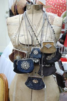 What a fab idea for all those old coin purses, rats I think my grandmother only had about 20 or so!