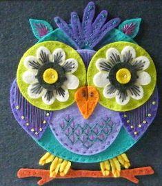 Applique Designed By Jane 2019 . The post Applique Designed By Jane 2019 appeared first on Wool Diy. Felt Owls, Felt Birds, Felt Embroidery, Felt Applique, Machine Applique, Machine Embroidery, Felt Pictures, Owl Crafts, Tape Crafts