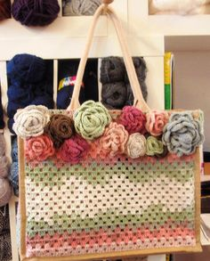 Made by Elly van Elkey Couture Crochet Box, Crochet Purses, Cotton Crochet, Irish Crochet, Granny Square Bag, Diy Purse, Knitted Bags, Crochet Projects, Purses And Bags
