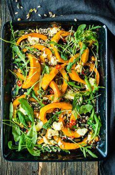 Paahdettua kurpitsaa ja fetajuustoa | Reseptit | Anna.fi Gluten Free Recipes, Healthy Recipes, Healthy Foods, Seaweed Salad, Japchae, Paella, Free Food, Feta, Cool Hairstyles