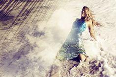 PHOTOGRAPHER: ALEXI LUBOMIRSKI MODEL: LILY DONALDSON STYLING: BELÉN ANTOLÍN HAIR: TOMOHIRO OHASHI MAKE UP: TYRON MACHHAUSEN